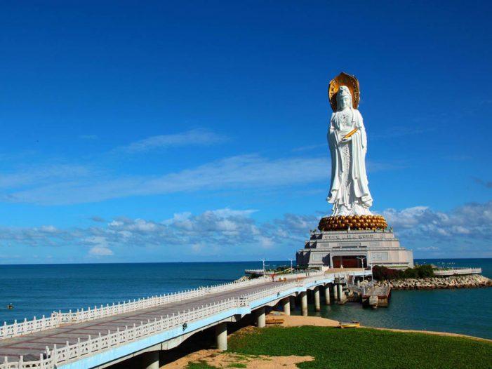中国最美的40个旅游景点 – 海南南山海上观音像