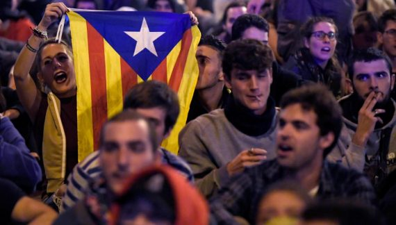 西班牙加泰罗尼亚骚乱加剧 逾50万人上街示威
