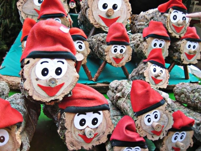 巴塞罗那圣诞木头小人CAGA TIO拉屎大叔的圣诞传说