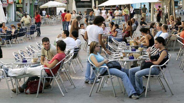 马德里市政府宣布餐饮酒吧业免交户外餐台税费