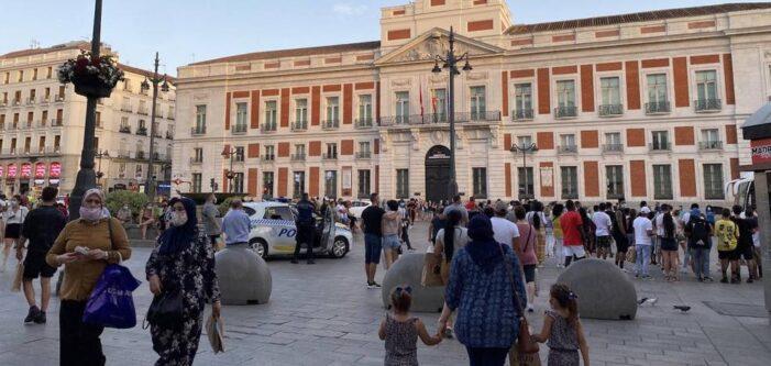 西班牙周末新增2.35万例 相当部分新增和死亡都在马德里